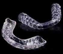 夜磨牙颌垫有什么用,贵不贵,需要去医院定制吗?